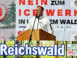 !. Bürgermeister Jörg Kotzur begrüßt viele Teilnehmer